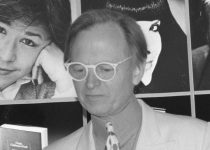 The man in the white suit: Looking back at Tom Wolfe's enigmatic writing
